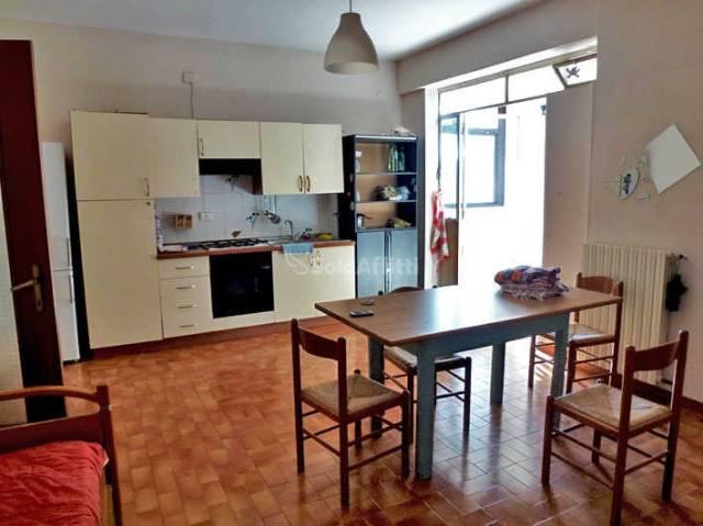 Stanza / posto letto in buone condizioni in affitto Rif. 4377696