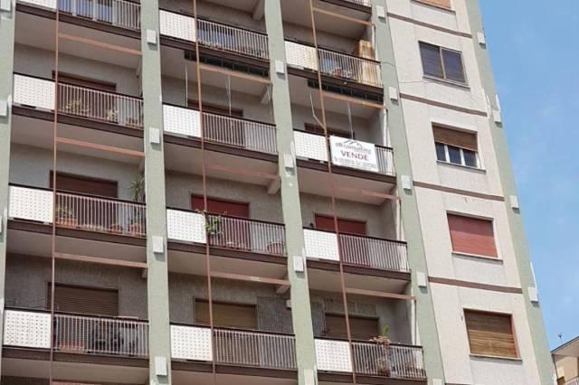 Appartamento da ristrutturare in vendita Rif. 6878285