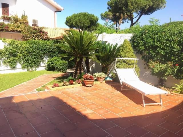 Villa in vendita a San Felice Circeo, 6 locali, prezzo € 660.000 | Cambio Casa.it