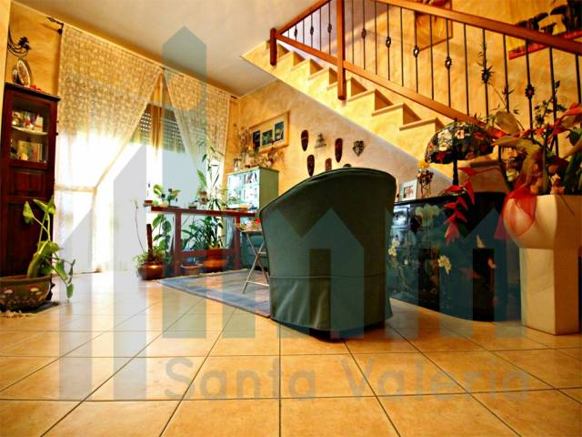 Appartamento quadrilocale in vendita a Seregno (MB)-4