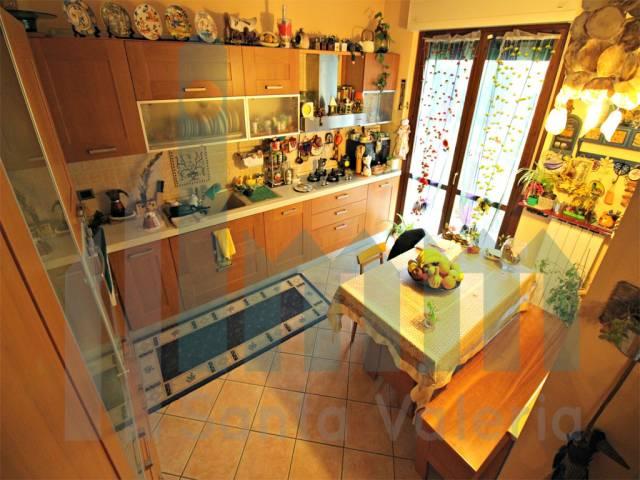 Appartamento quadrilocale in vendita a Seregno (MB)-6