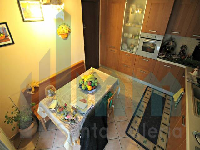 Appartamento quadrilocale in vendita a Seregno (MB)-7