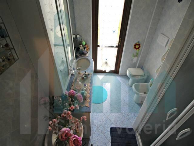 Appartamento quadrilocale in vendita a Seregno (MB)-10