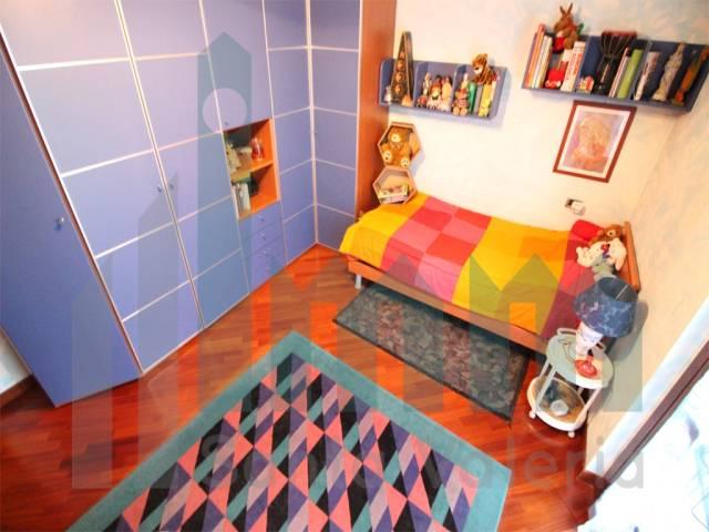 Appartamento quadrilocale in vendita a Seregno (MB)-12