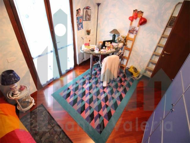 Appartamento quadrilocale in vendita a Seregno (MB)-13