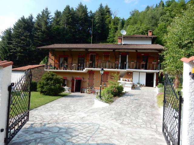 Villa in vendita a Chiusa di Pesio, 6 locali, prezzo € 140.000 | CambioCasa.it