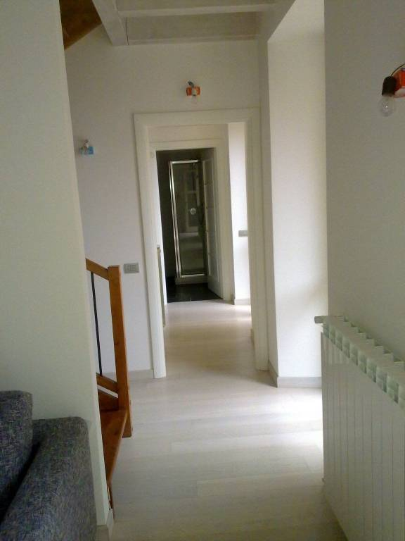 Appartamento in buone condizioni arredato in vendita Rif. 4888111