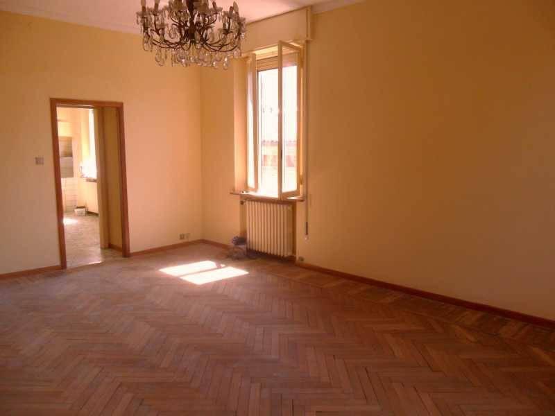 Appartamento in buone condizioni in affitto Rif. 9287565