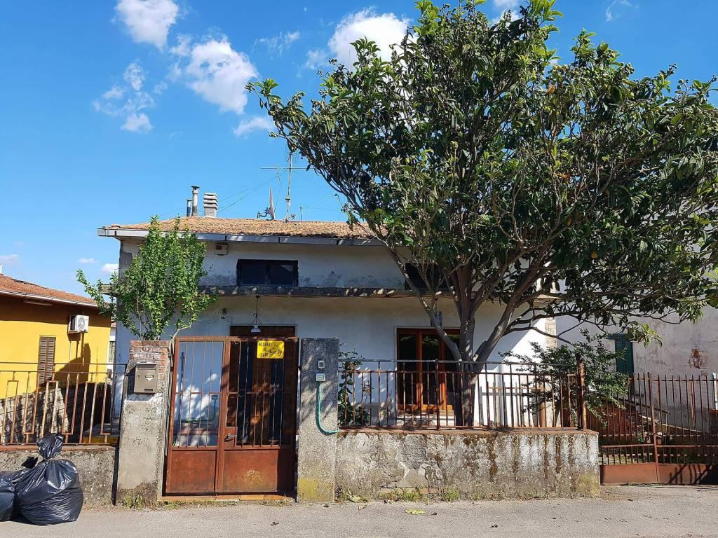 Casa Indipendente da ristrutturare in vendita Rif. 5290822