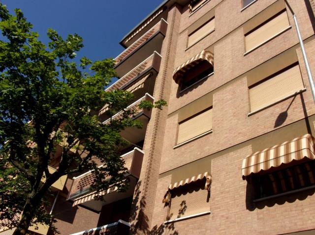 Appartamento in vendita a Venaria Reale, 3 locali, prezzo € 103.000 | CambioCasa.it