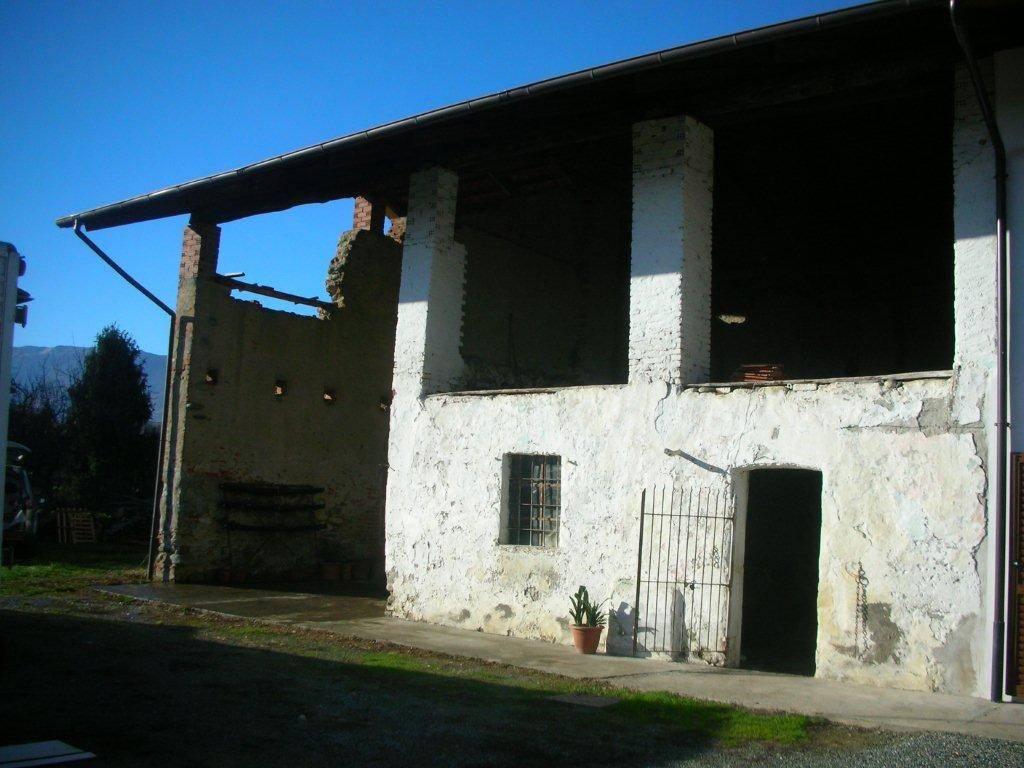 Rustico / Casale da ristrutturare in vendita Rif. 5233052