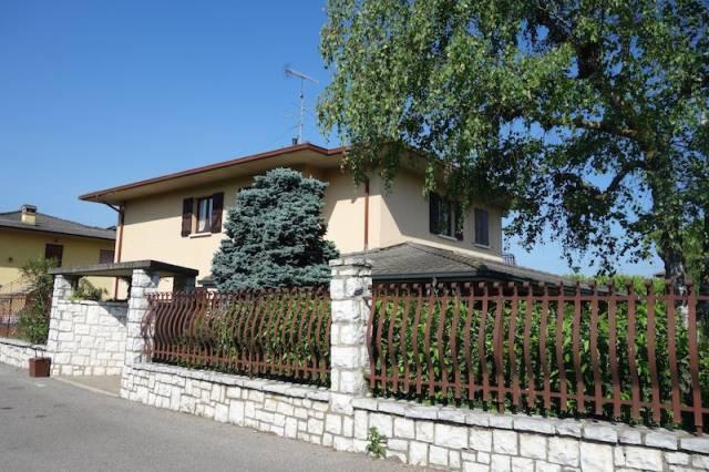 Villa in vendita a Passirano, 5 locali, prezzo € 412.000 | Cambio Casa.it