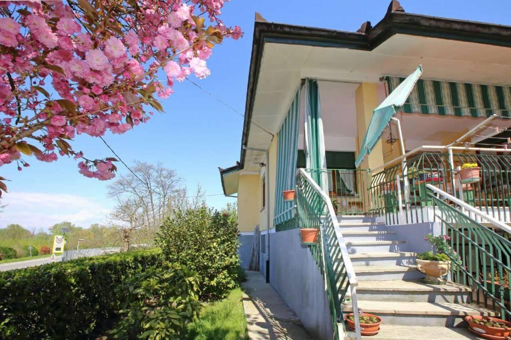 Foto 1 di Villa strada provinciale DELLA VAL CERRINA, Castagneto Po