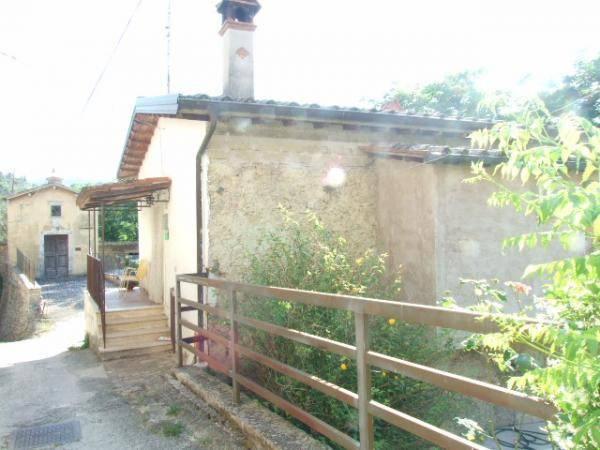 Rustico / Casale in buone condizioni in vendita Rif. 4197380