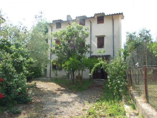Villa in buone condizioni in vendita Rif. 4197381