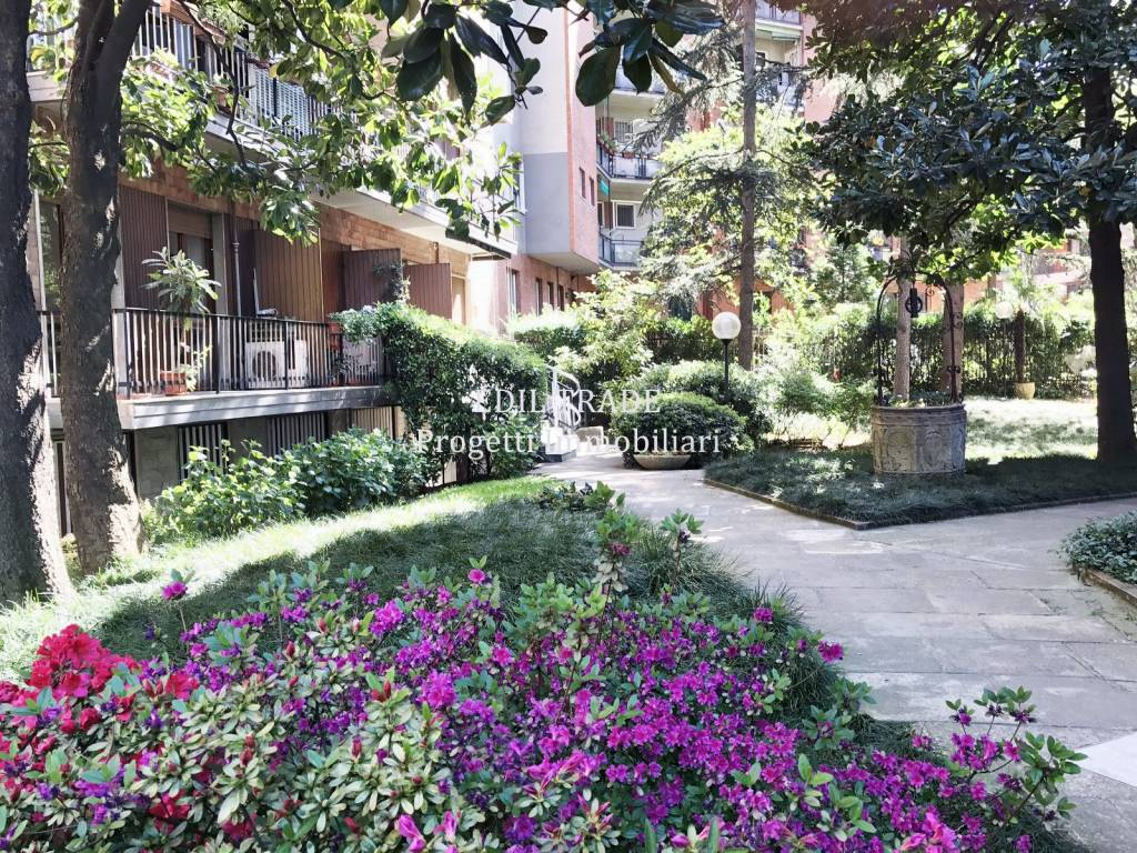 Appartamento in Vendita a Milano 25 Cassala / Famagosta / Lorenteggio / Barona: 3 locali, 75 mq
