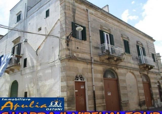 Stabile 6 locali in vendita a Ostuni (BR)
