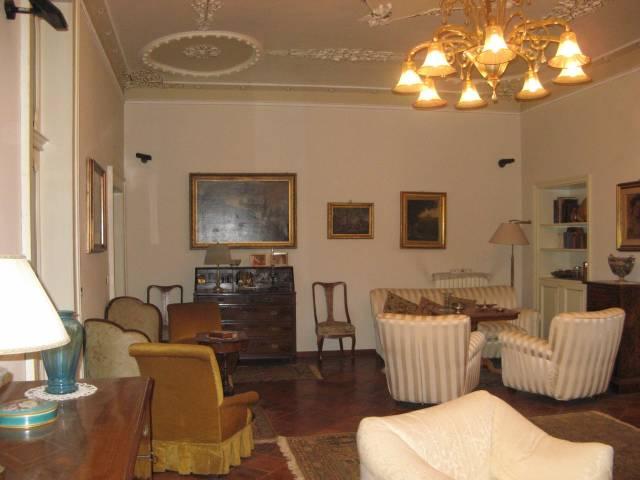 Stabile / Palazzo in ottime condizioni parzialmente arredato in vendita Rif. 4362359