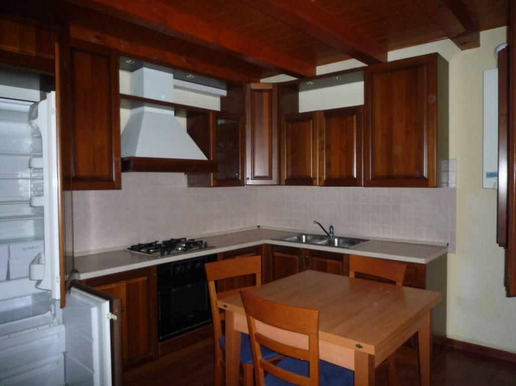 Appartamento in ottime condizioni arredato in affitto Rif. 7859579
