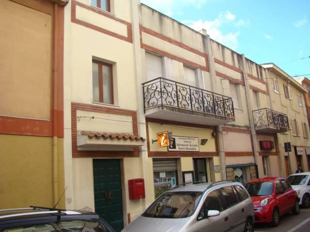 Palazzo / Stabile in vendita a Dorgali, 5 locali, prezzo € 105.000 | Cambio Casa.it