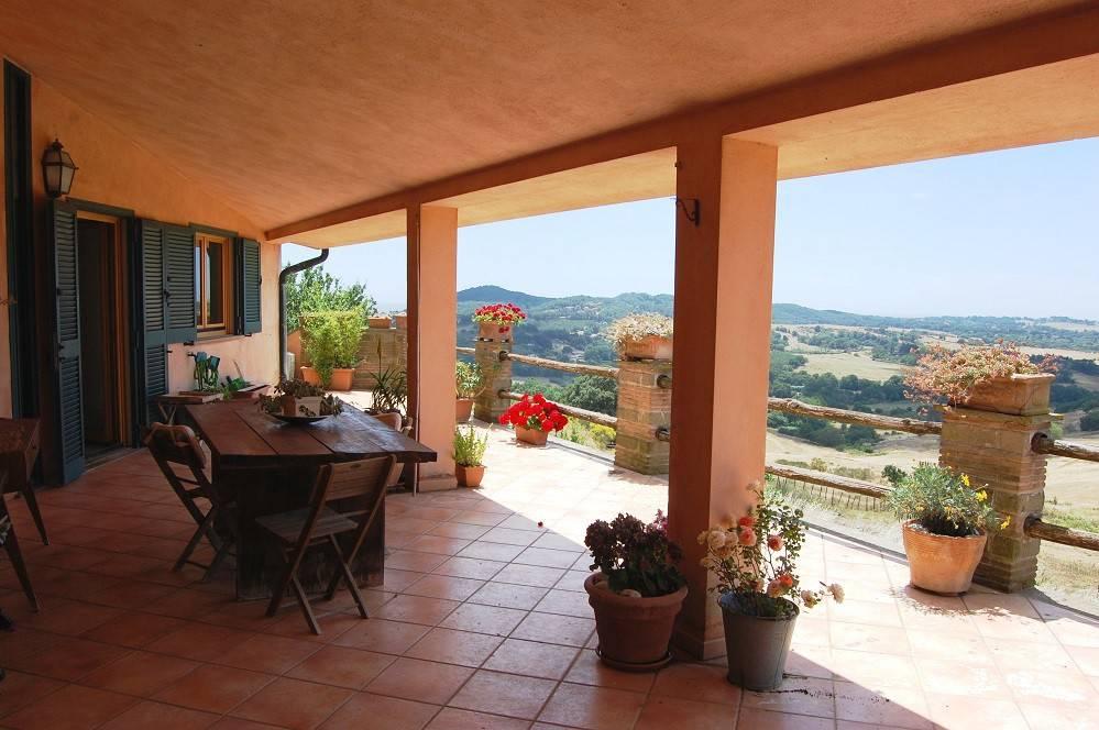 Villa in vendita a Sacrofano, 6 locali, prezzo € 390.000 | CambioCasa.it