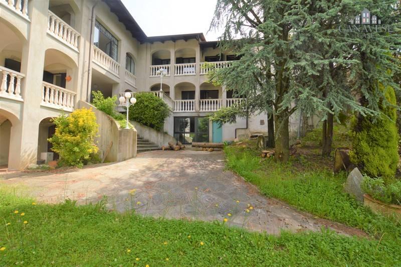 Casa Indipendente in buone condizioni in vendita Rif. 4924664