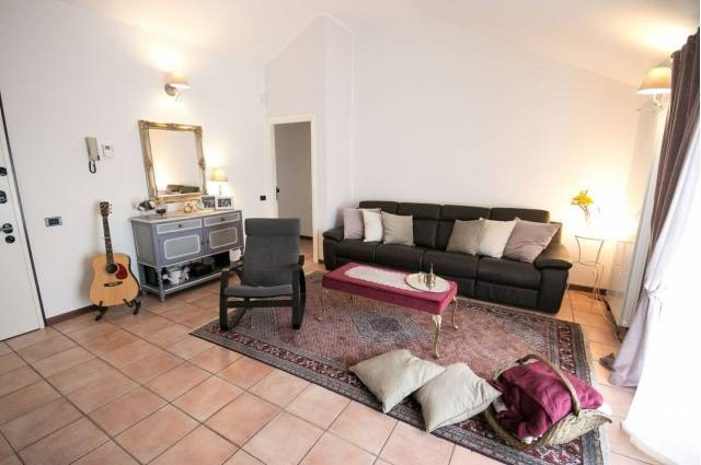 Appartamento in vendita a Guanzate, 3 locali, prezzo € 195.000 | Cambio Casa.it
