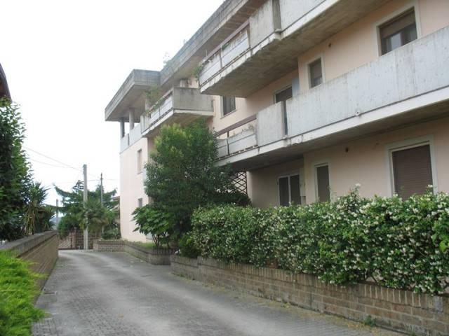 Appartamento in buone condizioni in vendita Rif. 4244976