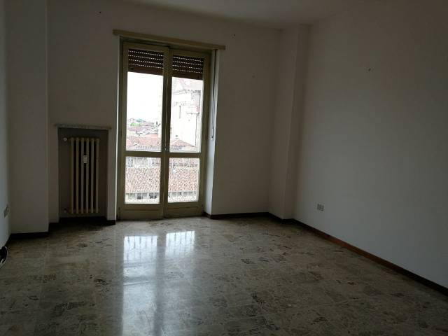 Appartamento in buone condizioni in affitto Rif. 4241849