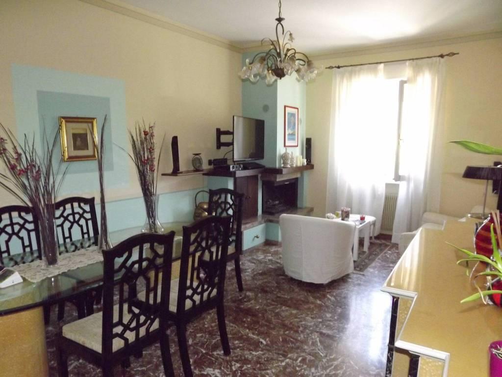 Spoleto ampio appartamento in affitto in zona centrale