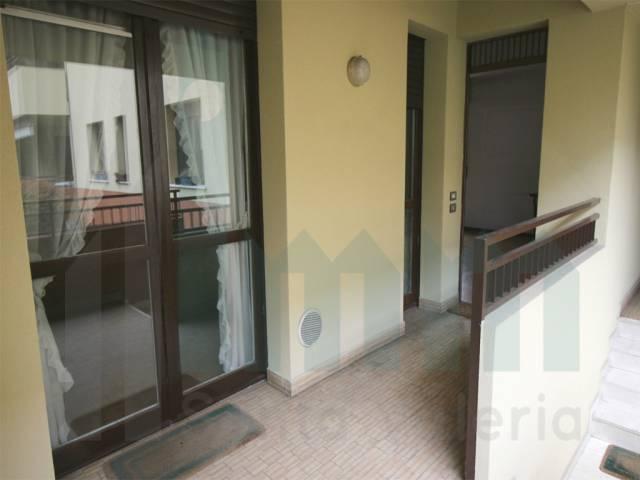Appartamento trilocale in vendita a Giussano (MB)