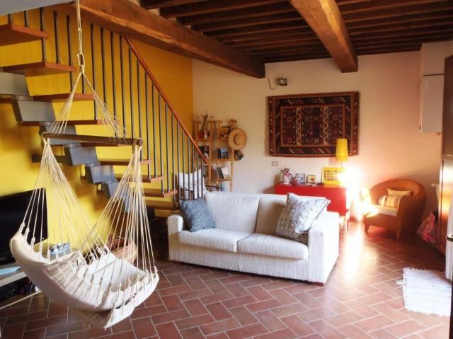 Appartamento in ottime condizioni parzialmente arredato in vendita Rif. 6968793