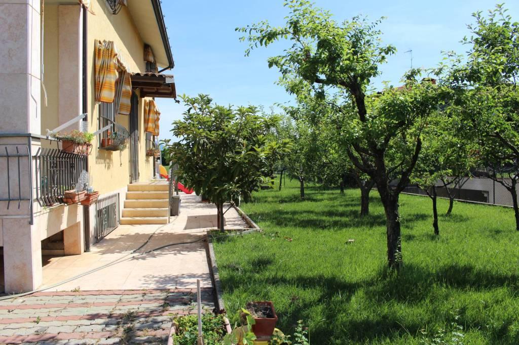 Villa in vendita a Nuvolera, 8 locali, prezzo € 450.000   PortaleAgenzieImmobiliari.it