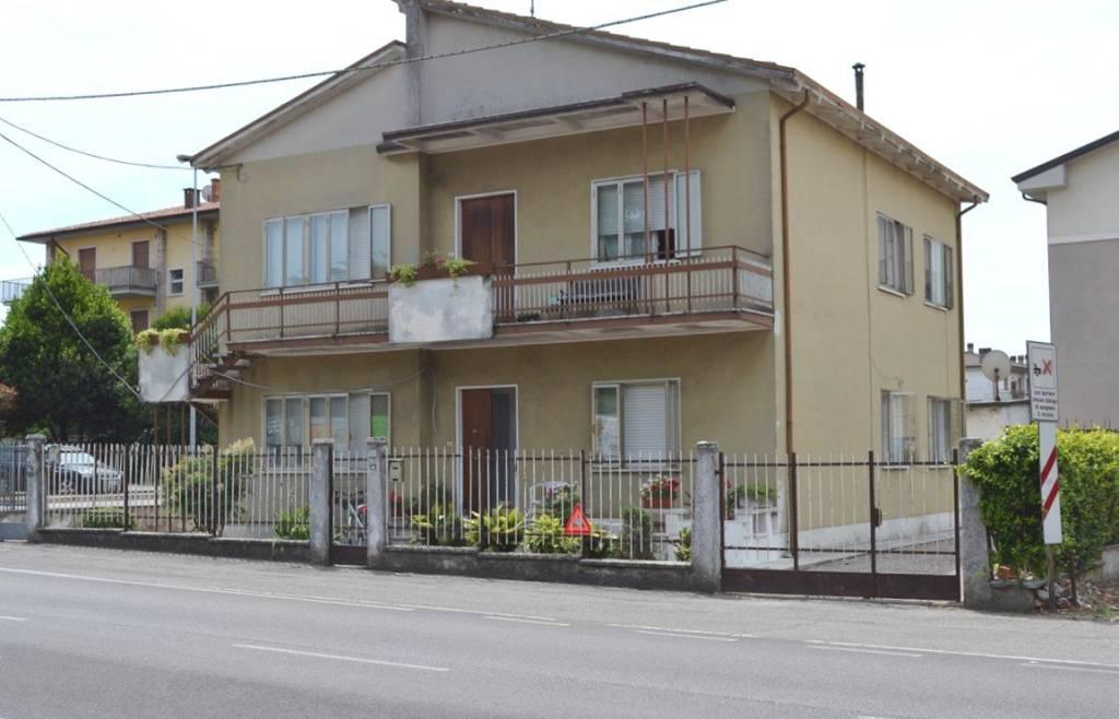 Villa in vendita a Villafranca di Verona, 6 locali, prezzo € 260.000 | CambioCasa.it