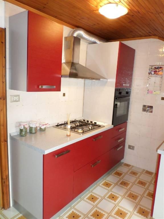 Appartamento in ottime condizioni arredato in affitto Rif. 4439418