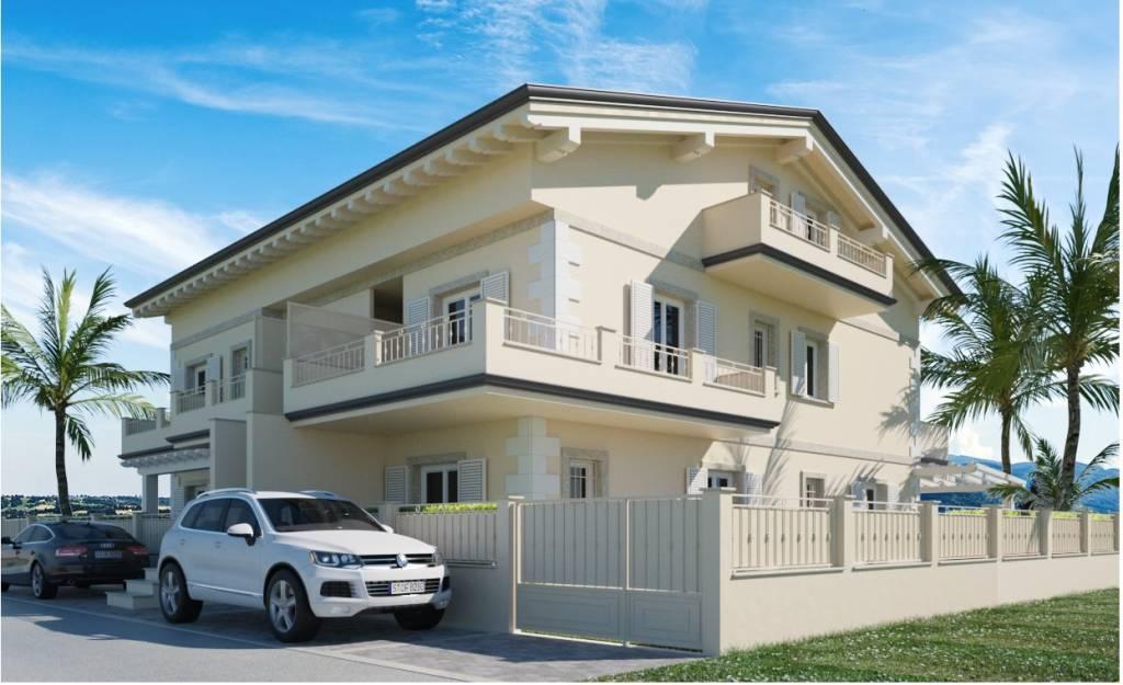 Appartamento in vendita a Montignoso, 3 locali, prezzo € 365.000 | PortaleAgenzieImmobiliari.it