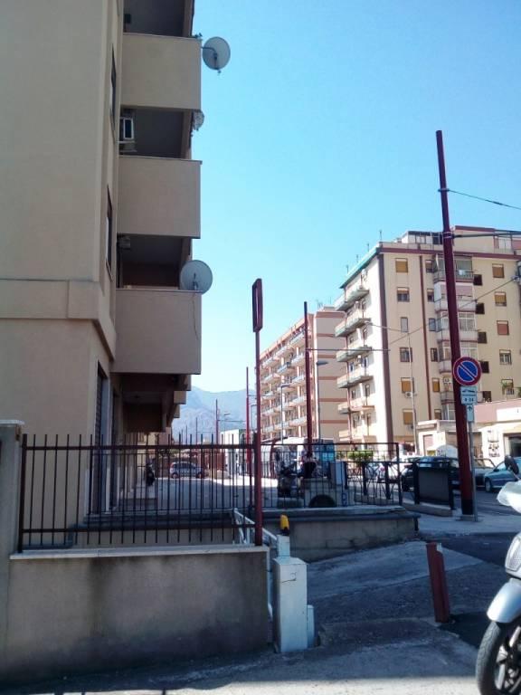 Ufficio-studio in Affitto a Palermo Periferia: 3 locali, 50 mq
