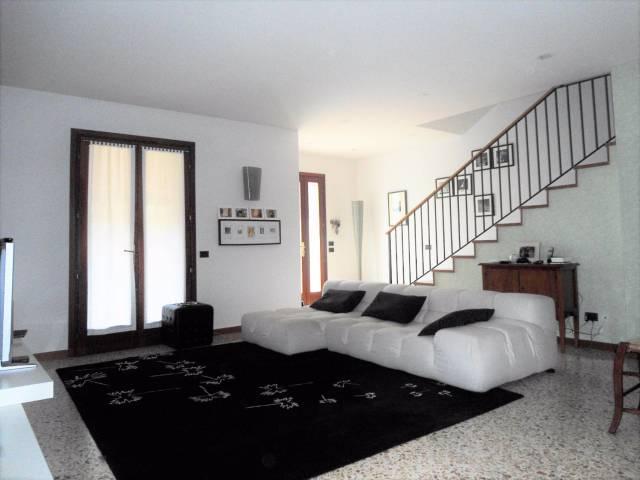 Villa a Schiera in vendita a Rosà, 4 locali, prezzo € 270.000 | Cambio Casa.it