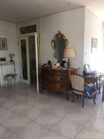 Bilocale Napoli Via Giulio Palermo 12