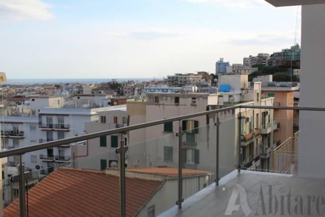 Appartamento in vendita a Messina, 4 locali, prezzo € 300.000 | Cambio Casa.it