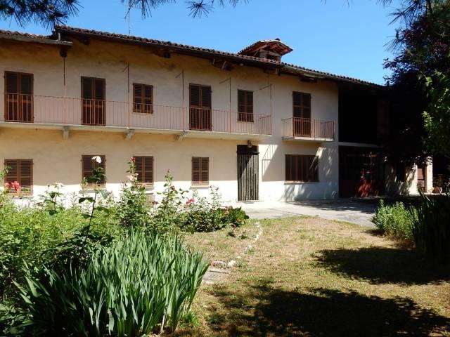 Rustico / Casale in vendita a Farigliano, 6 locali, prezzo € 175.000   Cambio Casa.it