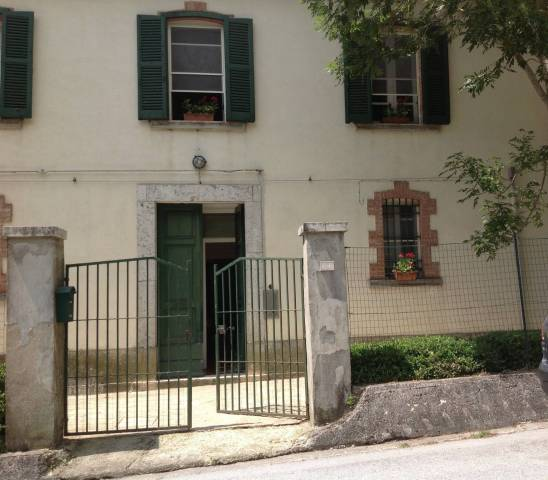 Stabile 6 locali in vendita a Vastogirardi (IS)