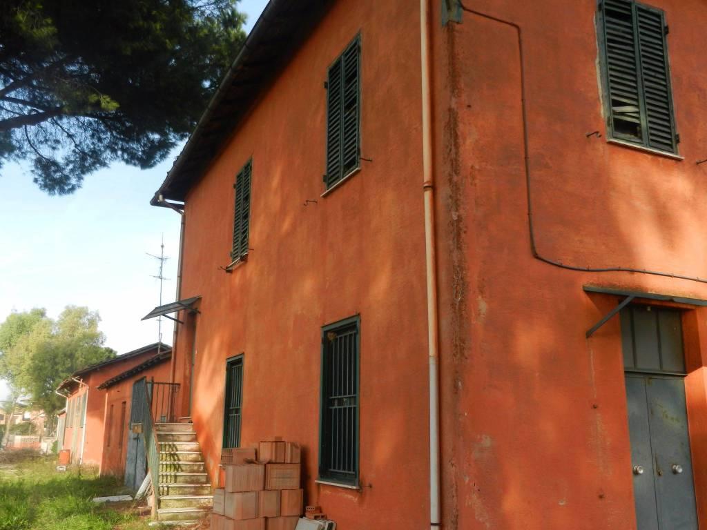 Rustico / Casale da ristrutturare in vendita Rif. 9337690