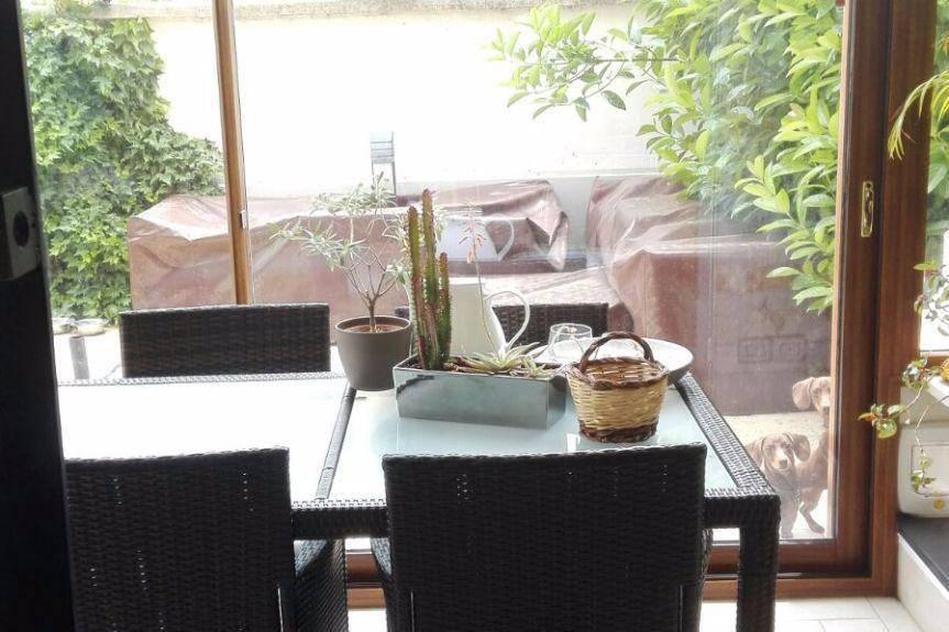 Appartamento parzialmente arredato in affitto Rif. 8592522