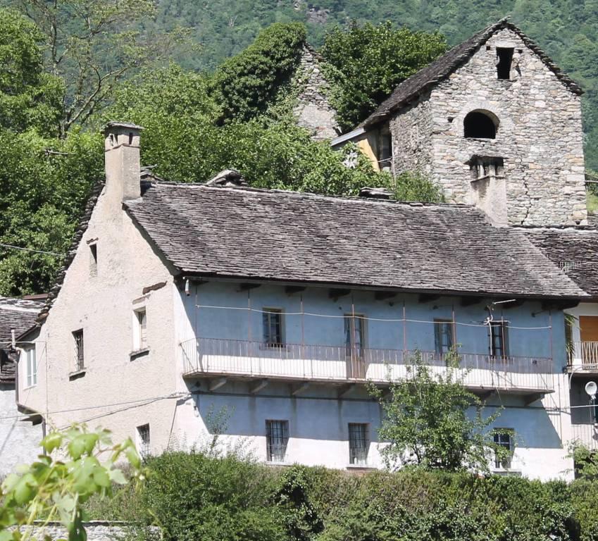 Antica casa indipendente ad Oira - Verbania