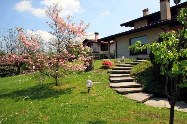 Villa in vendita a Azzate, 5 locali, prezzo € 670.000 | Cambio Casa.it