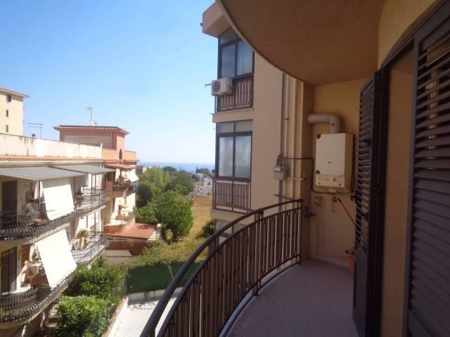 Appartamento in buone condizioni parzialmente arredato in vendita Rif. 4816902