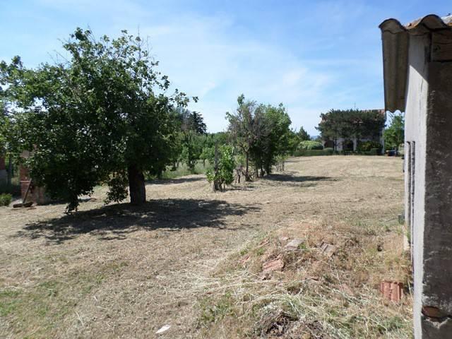 Terreno residenziale in Vendita a Magione: 1600 mq