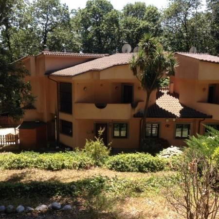 Villa in vendita a Ariccia, 6 locali, prezzo € 435.000 | Cambio Casa.it
