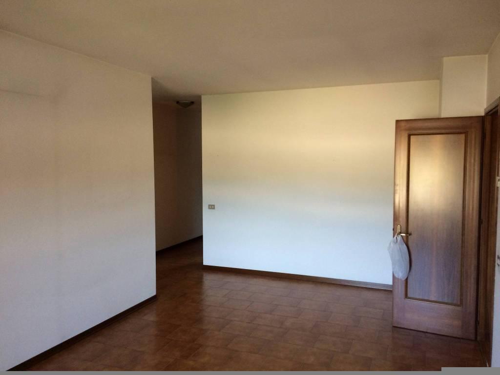 Noale - Centrale e luminoso appartamento